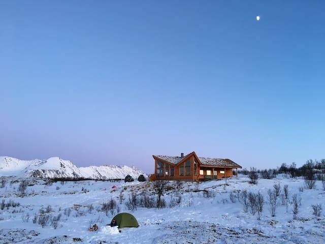 Eksklusiv hytte med panoramautsikt i Lyngsalpene