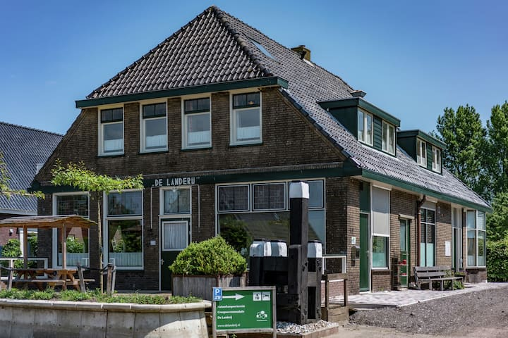 Quaint Holiday Home in Friesland by the Lake