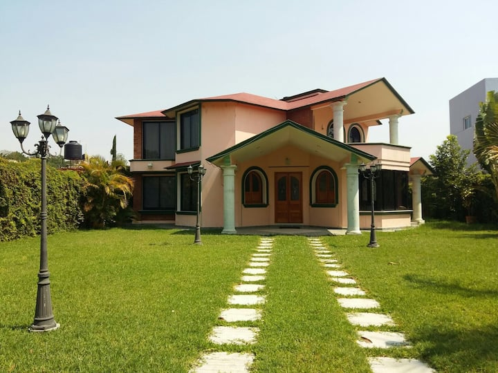 Casa familiar, hermosa y única