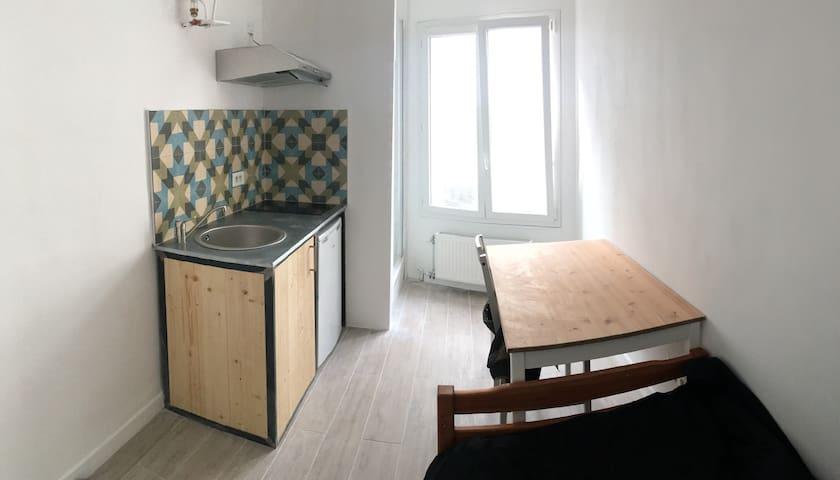 Studio Marseille huitieme