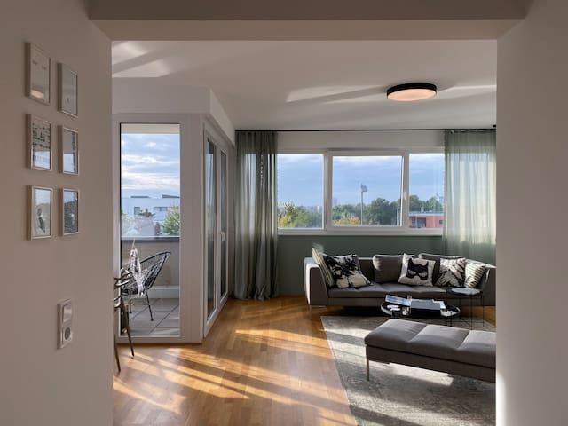 Helle, gemütliche Wohnung mit Balkon & Parkplatz