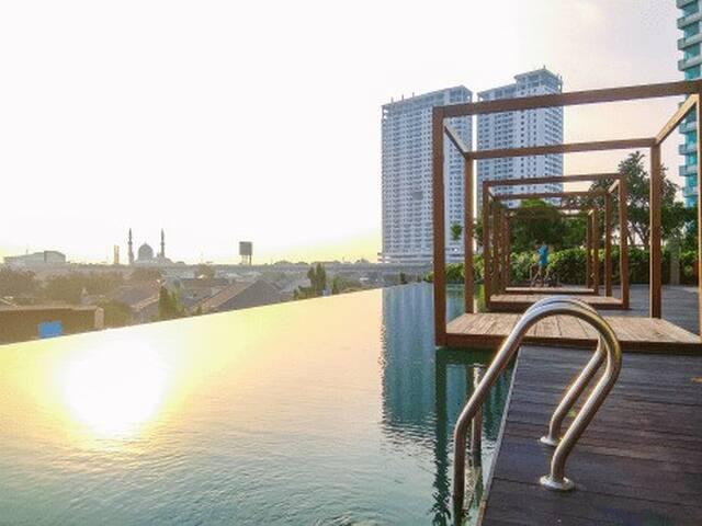 Comfy Lake View Studio in Kamala Lagoon Bekasi