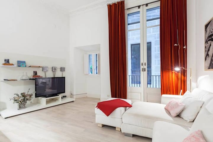 STUNNING APARTMENT IN GOTHIC - Barcelona - Lägenhet
