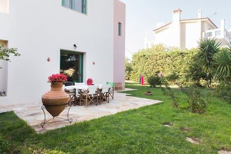 Charming Mediterranean countryside apartment.
