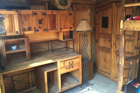 Rustic Glamping Cabin (Wurzy's Cabin) - Los Ángeles
