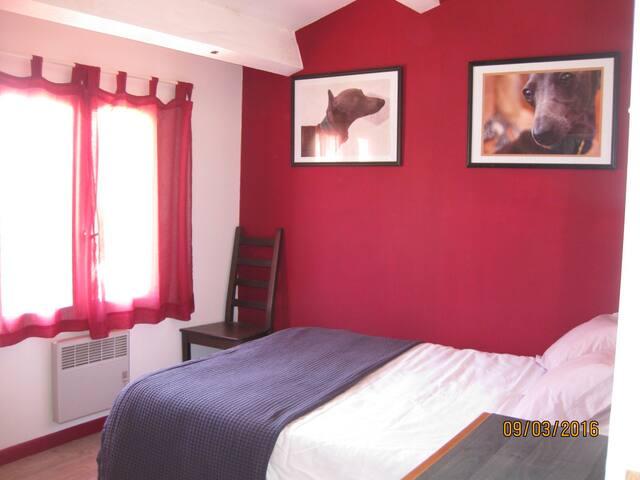 Chambre confort dans maison chaleureuse - Montpeller - Casa