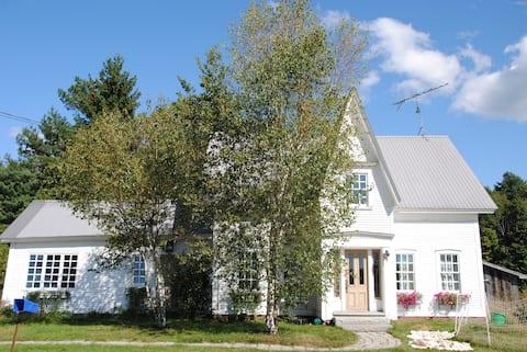 Mountainview Farmhouse near Stowe, VT