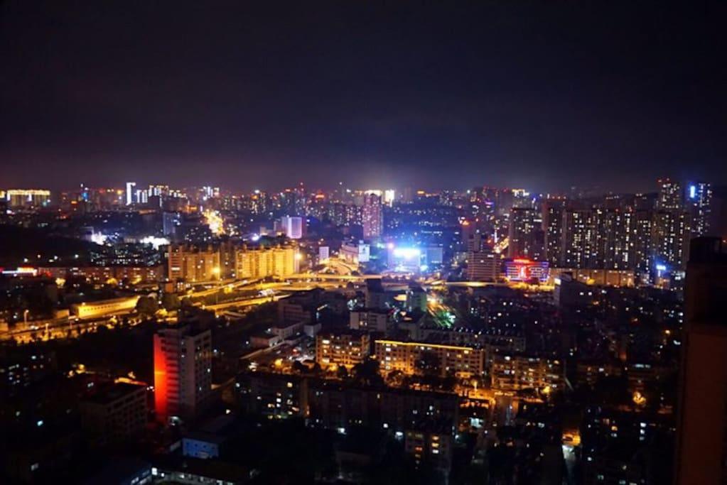 40楼可以看到昆明的夜景哦~