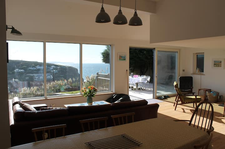 Stylish holiday house with stunning sea views.