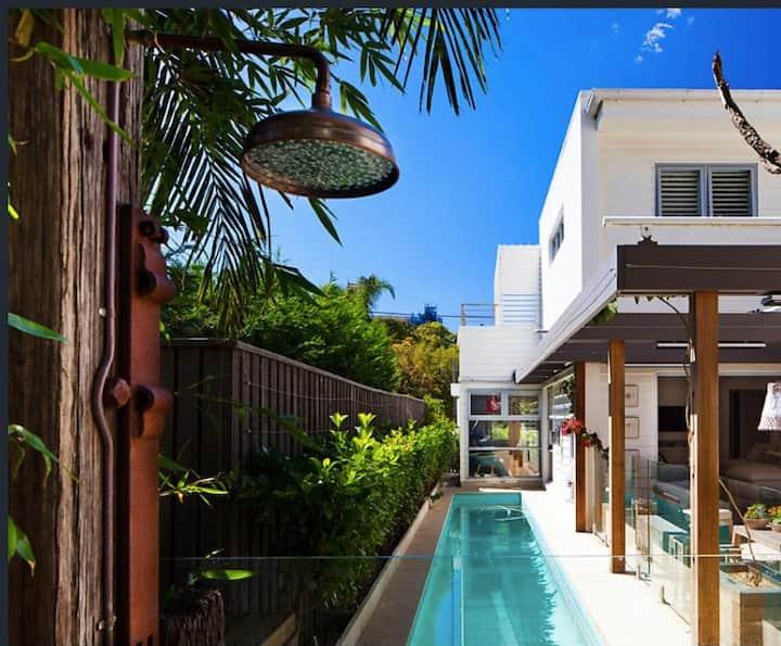 Stunning designer beach house next to Manly beach