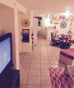 Cozy & Comfortable Unit - New Pool! - Fort Myers Beach - House