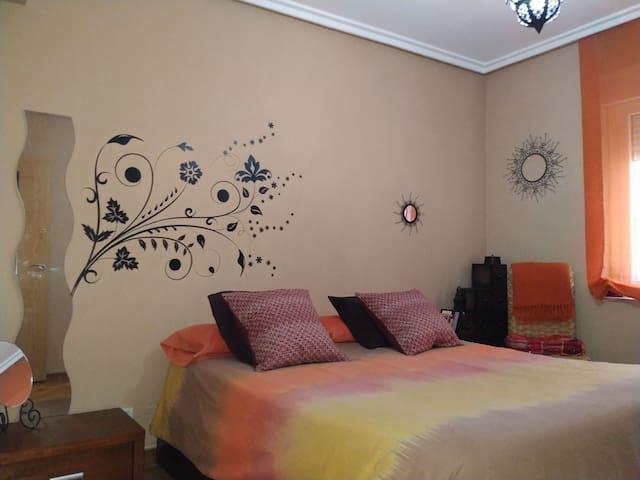 Habitación acogedora en pleno centro de Avilés
