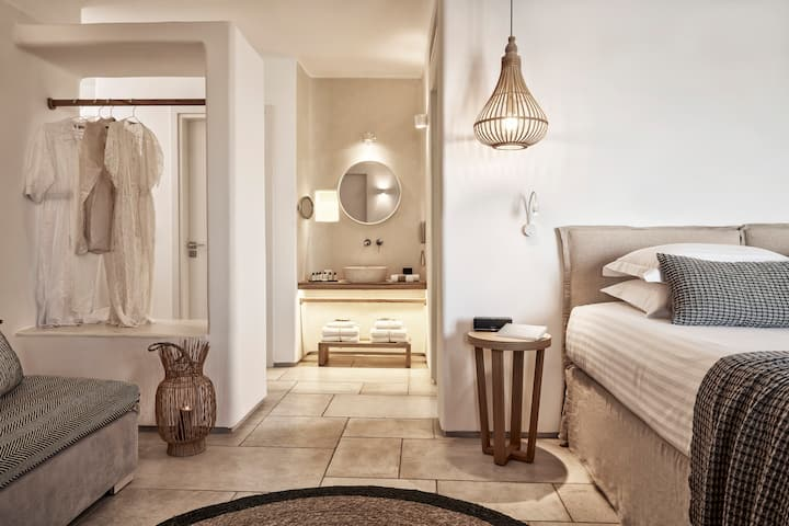 Ultimate Bliss suite with private pool sea view