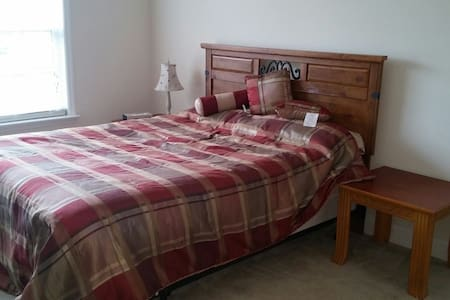 Spacious room w/1 bth near Augusta - Graniteville - Maison