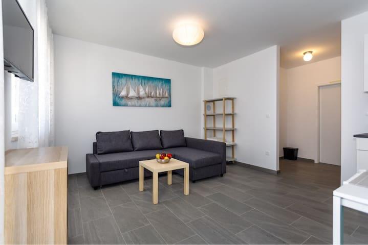 Modern new 4* apartment near the center - Adria