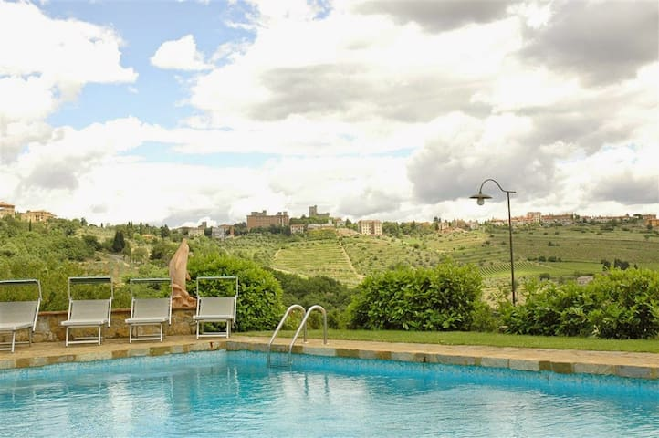 Beautiful villa with outbuilding and a lovely pool - Castellina in Chianti - 一軒家