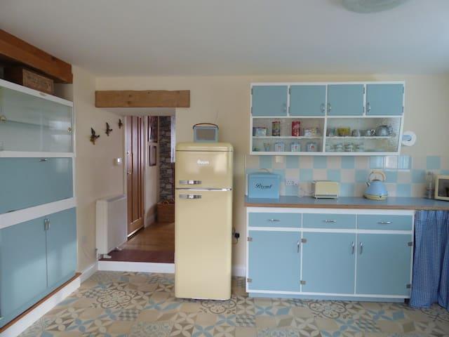 Genuine 60s kitchen units