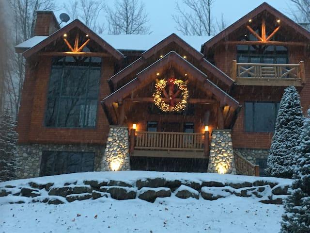 Ski Windham Resort  Luxury direct access trails