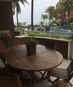 Apartamento na Praia de Camboinhas