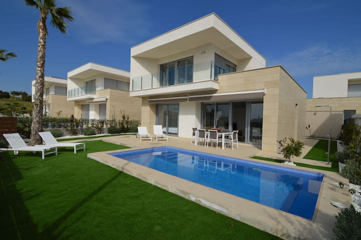Charmante Villa in Orihuela mit privatem Swimmingpool