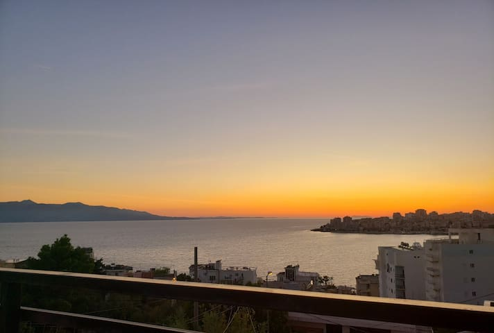 GEM H&R Studio Apartment with sunset and seaview