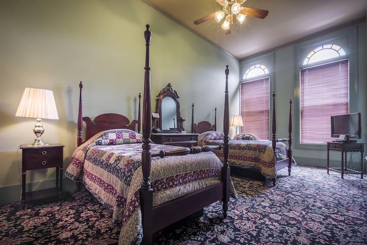 Weinhard Hotel Room 8 / Twin Beds