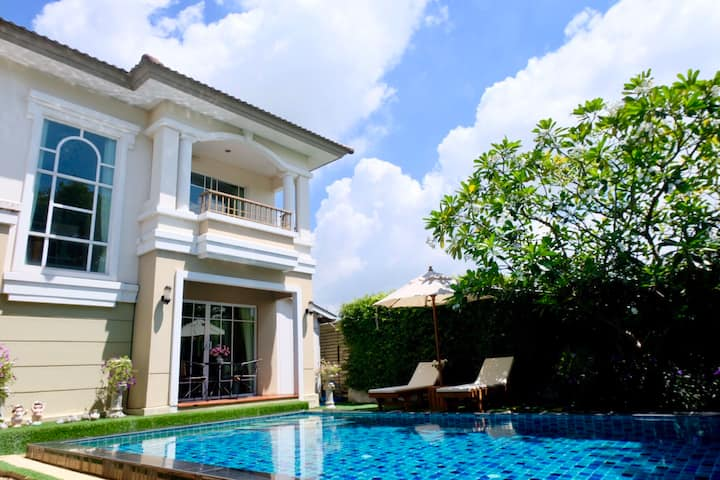 15mins Suvarnabhumi Private Pool Villa 3 bedrooms