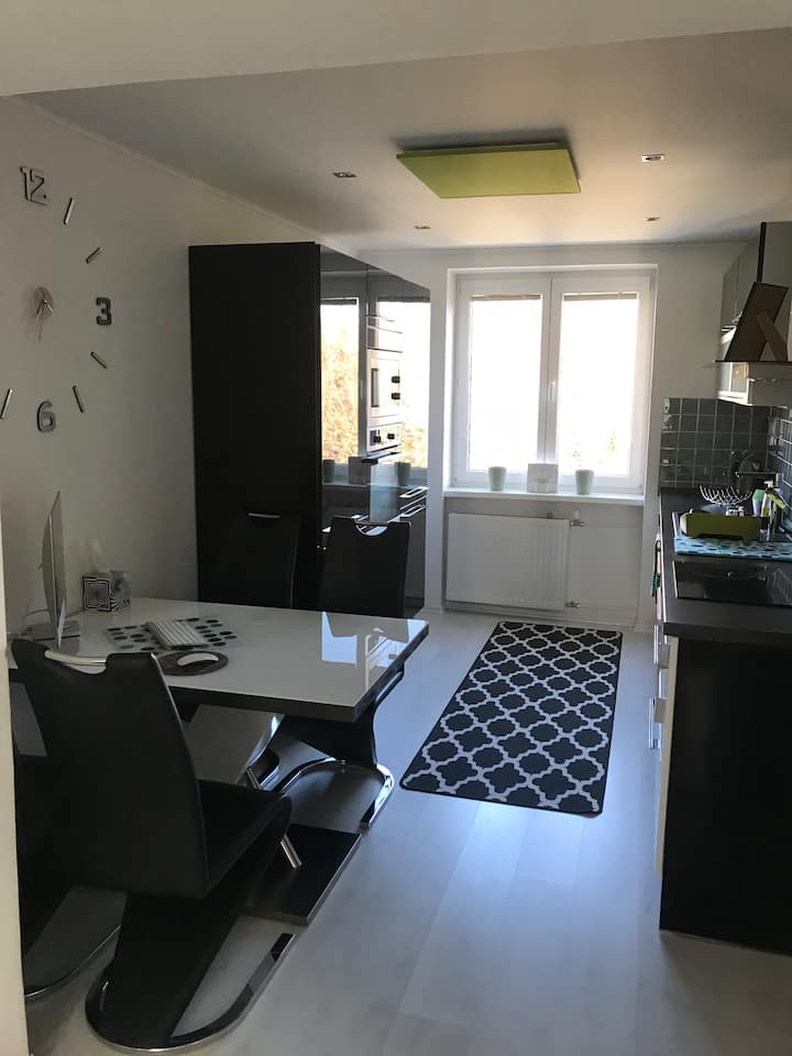 Modern apartment 10 minutes from the city center