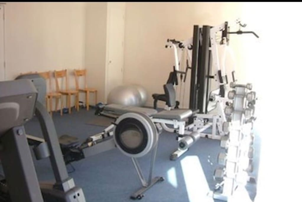 Gym open from 6:30 am to 10 pm