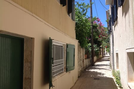 Traditional house in the center of Lefkas - Lefkada - House