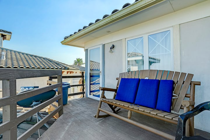 Waterfront Room with View in San Leon, Texas
