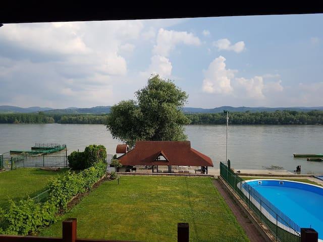 Kamenjar House
