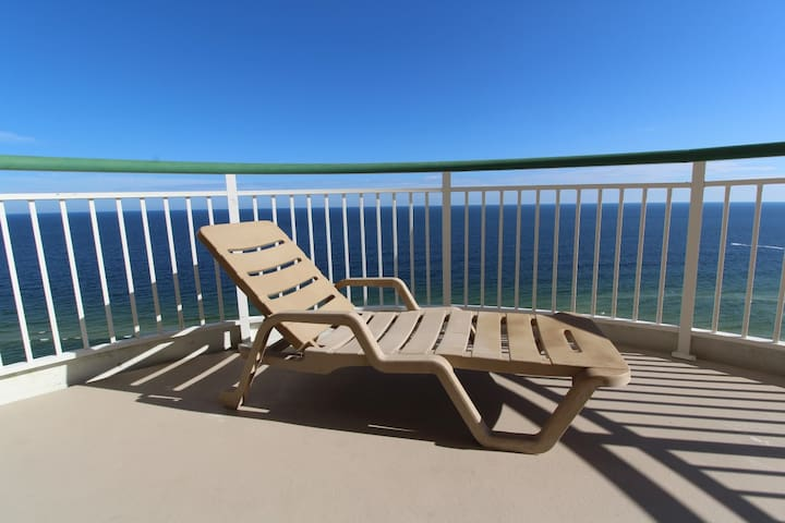Beach Colony Tower Penthouse 18C- Beach Front unit with large terrace!