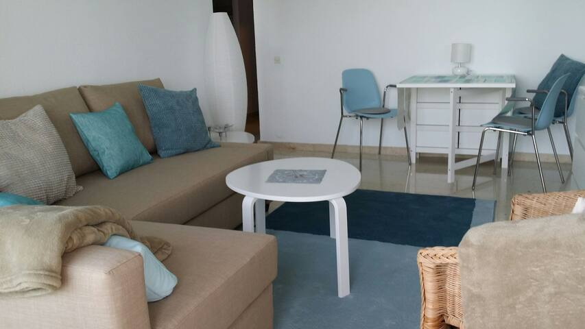 Livingroom with - Dining -Corner for 2- 4 Persons