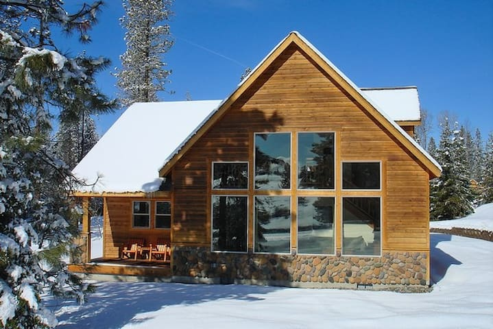 Elk Ridge Chalet-Upscale Cabin in Roslyn Ridge *Free Nights* Summer Pool