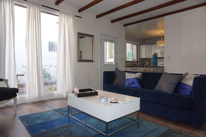 Spacious & Stylish  2BR/2Bath house near beach - El Segundo - Ház