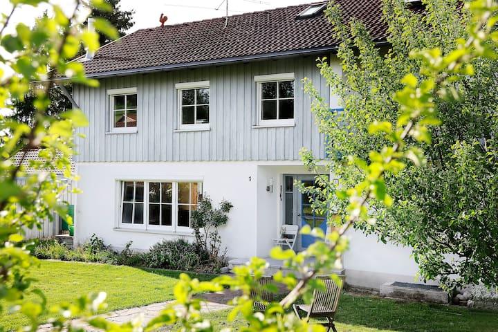 Häuschen mit großem Garten: Ferienhaus Falkenweg