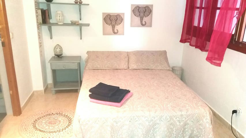 COZY DOUBLE ROOM! - Melilla - Ev