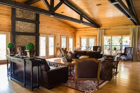 Camp Wilderness Lodge
