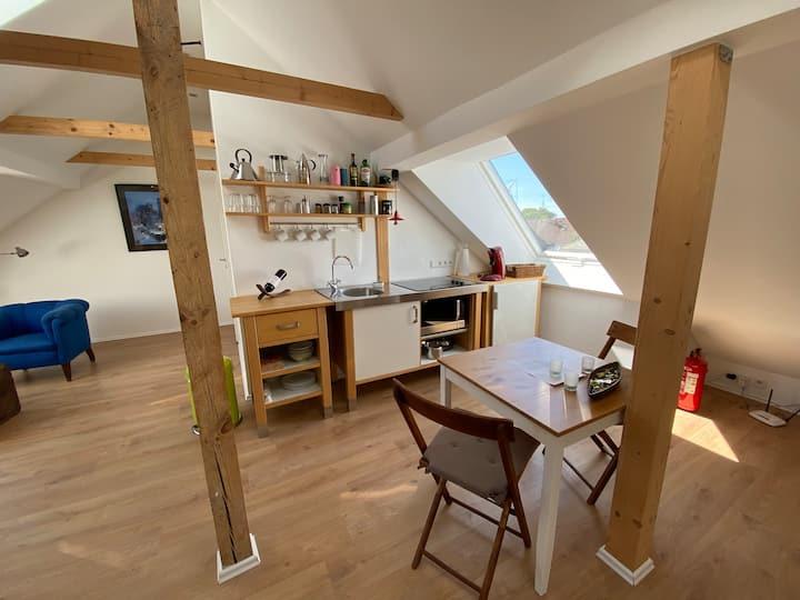 Helles Studio Dachgeschoss