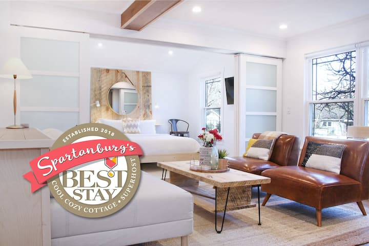 Beautiful Designer's Cottage By Cool Cozy Stay®