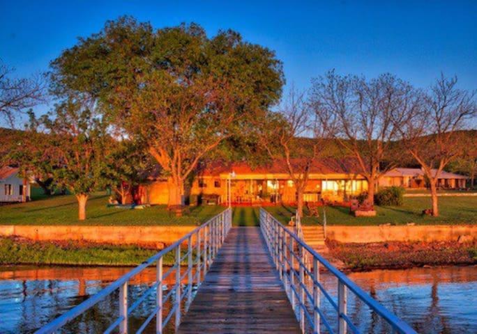 Lakefront home on Lake Buchanan. - Burnet - Dům