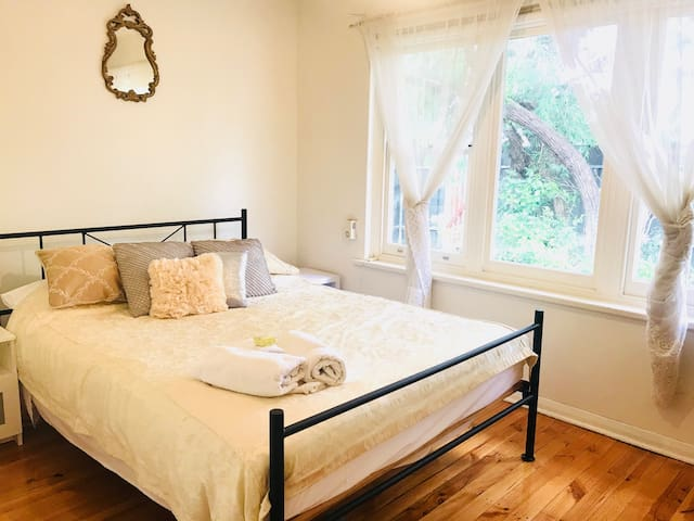 SEASIDE !! KAURI 2  BEDROOM.. WIFI