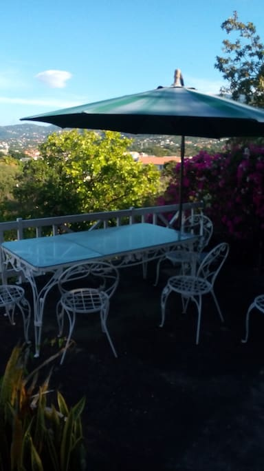 Outdoor table for 6 with Umbrella