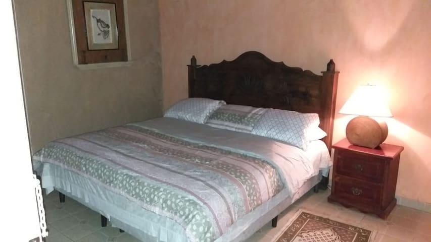 HOTEL BRISAS DE SANTA LUCÍA, CALLE PRINCIPAL.