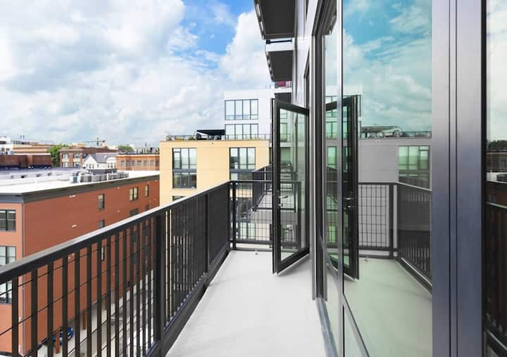 Beautiful Capital View Luxury Apartment on 14th st