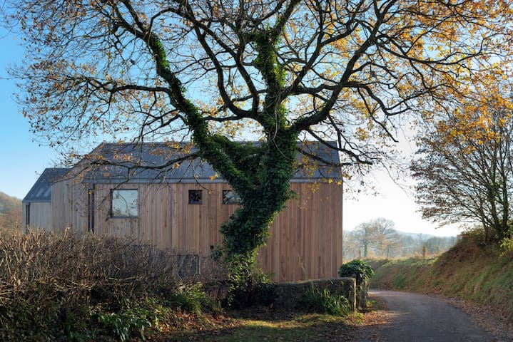 Secluded Luxury Wooden House - Colyton