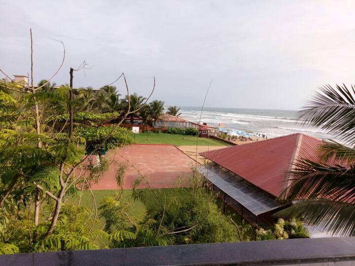 Sea view + Breakfast + luxury rooms + Baga beach