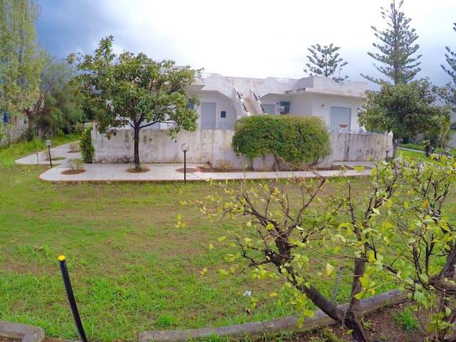 Villaiolanda 3 , ampio giardino - Oliveri - Rivitalo