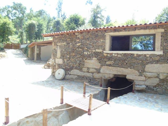 Quinta da Chouza AGROTURISMO and ENOTURISMO - Molares - Haus